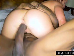 BLACKEDRAW wifey luvs the World's fattest bbc in hotel room