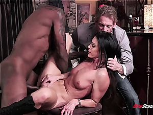 steaming wife India Summer climaxing on a black meatpipe