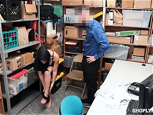 Ella Knox gets caught shoplifting and pays her debt with her hatch and cunt