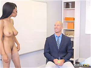 bare boss Britney milky entices worker