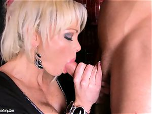 Rhylee Richards polish the lengthy rigid dick
