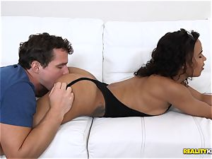 beating hump with Hollie Berry