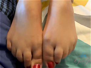 Blair's bedroom eyes and fantastic feet make you jism