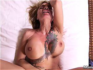 hot tatted nymphomaniac mummy obeys sausage
