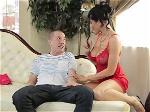 Romi Rain gives her stepson an early Christmas handle