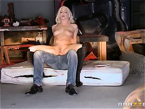 platinum-blonde Bailey Blue caught and penetrated