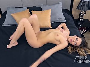 GIRLSRIMMING Verona Sky Tonight I want to couch