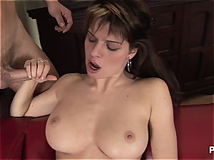 Mona got extraordinaire titties