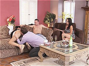 group hookup and Hangman with super-cute couples 1
