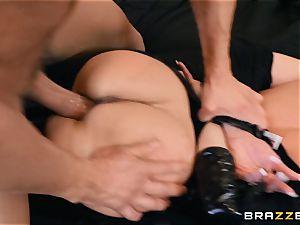 Brandi love plumbed in her raw coochie