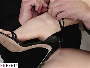 cougar Gets Her pussy torn up By Her new strung up bf