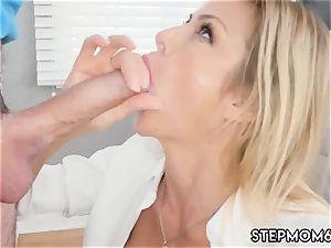 round cougar orgasm My peeping playfellow s step son-in-law