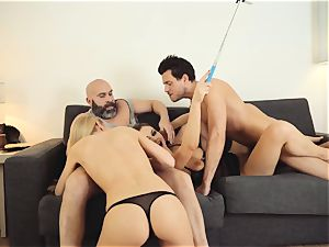 LOS CONSOLADORES - super-steamy swinger four-way with steaming stunners