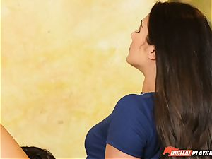 What just happened here with Eva Lovia and Aria Alexander