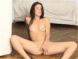Tiffany female fingering her super-fucking-hot vulva fuck hole on the floor