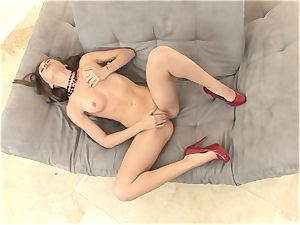 slim Alexis Capri is steaming and trimmed and jacks until she pops