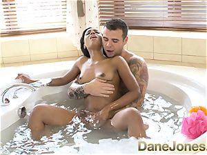 Dane Jones impressive blow-job and molten bathtub plumb