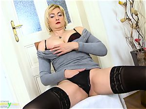OldNanny super-naughty light-haired Mature Evi Solo puss toying