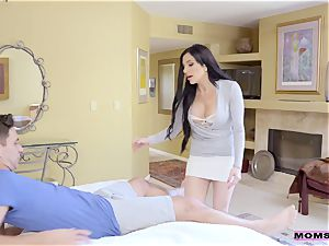 Jaclyn Taylor - Dear daughter-in-law, I'm sorry that I smashed your bf