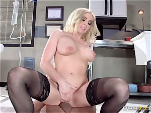 doc Christie Stevens displays just how ass-fuck is done