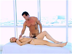Roasting steaming blonde Sarah Vandella enjoys to melon shag
