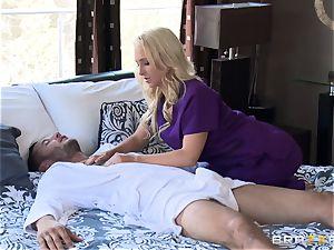 motel masseur Alix Lynx pleases her next customer