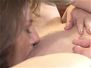 Shyla Jennings tongues on Georgia Jones wet vag
