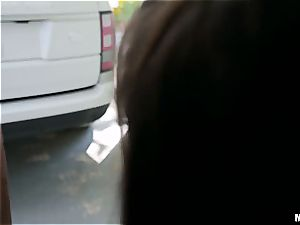 Abella Danger gets her fuckbox romped by a phat jizz-shotgun