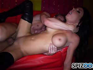 sumptuous stripper Jessica Jaymes rides her client hard