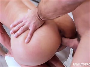 Phoenix Marie gets a super-steamy threesome at the dinner table
