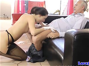 fancy british milf in ffm dicksucking