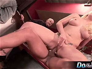 blond wife gets her sphincter plugged